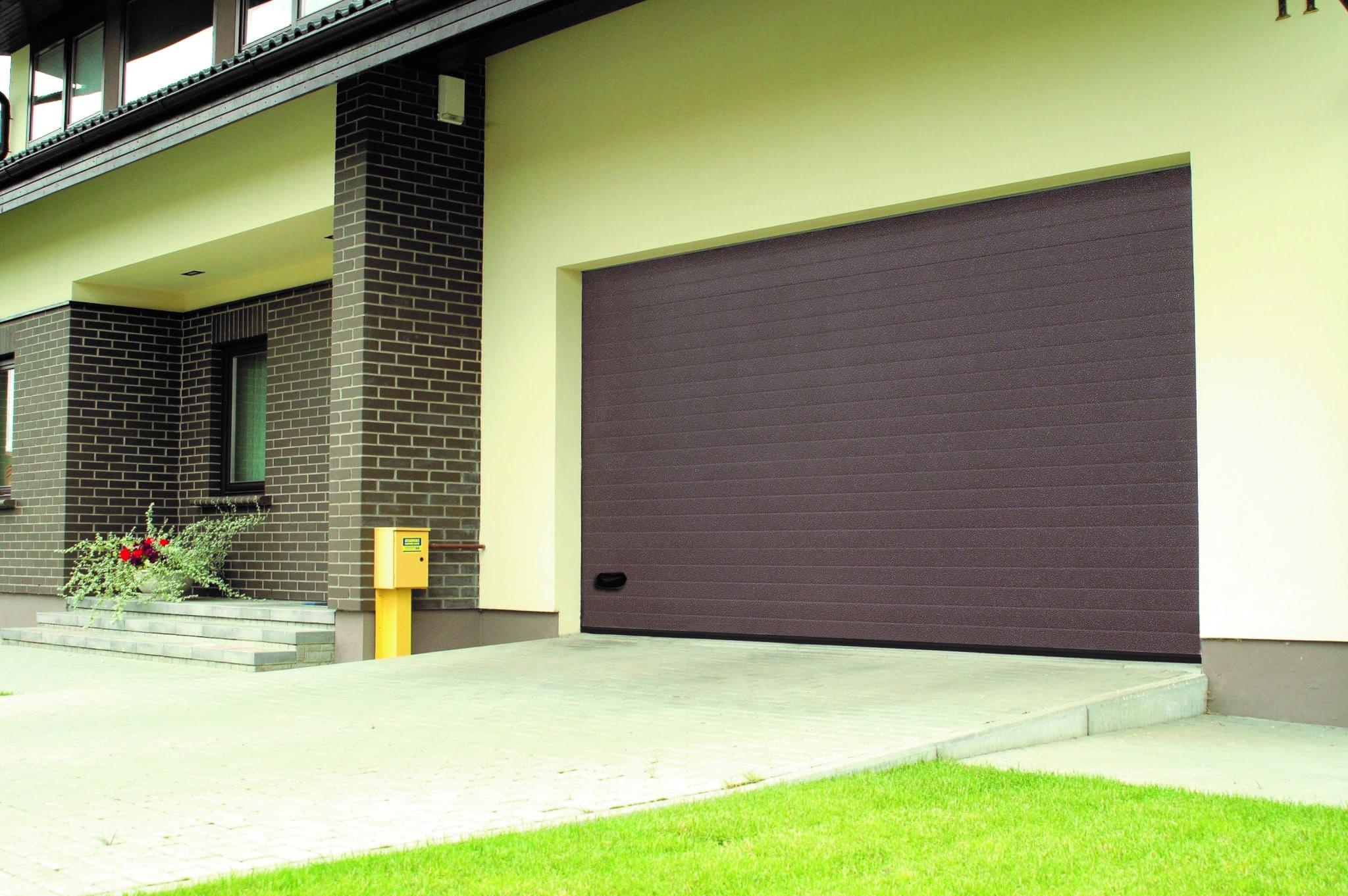 Как выбрать гаражные ворота: сравнение по пяти главным критериям - фото - статья на блоге компании ВСВ-Групп