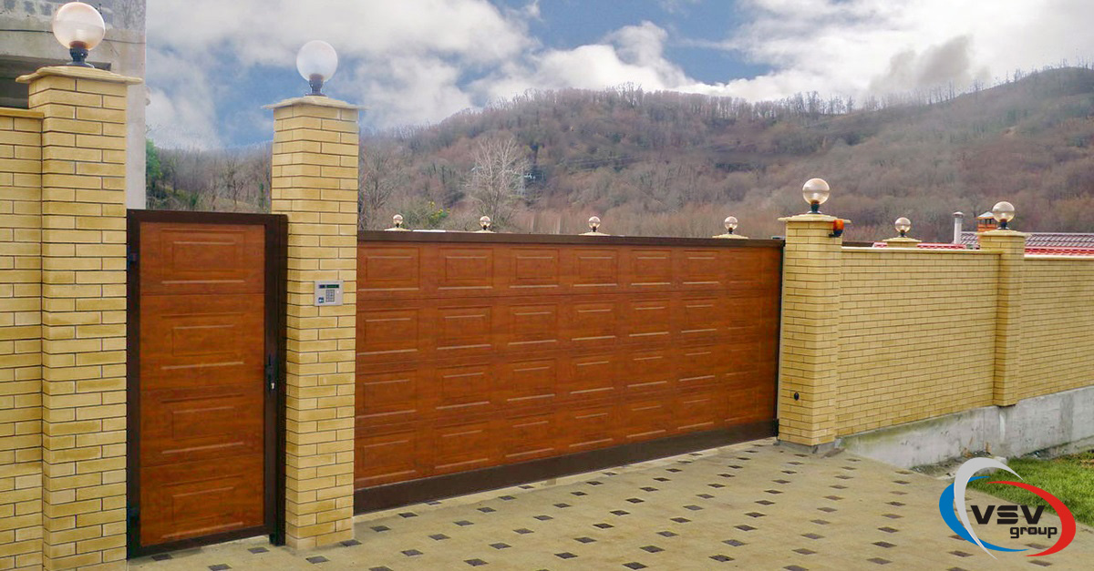 Автоматические откатные ворота: нужна калитка или нет? - фото - статья на блоге компании ВСВ-Групп