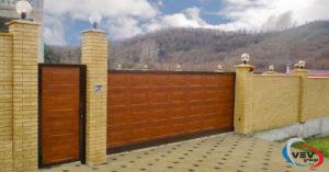 Автоматические откатные ворота: нужна калитка или нет - фото