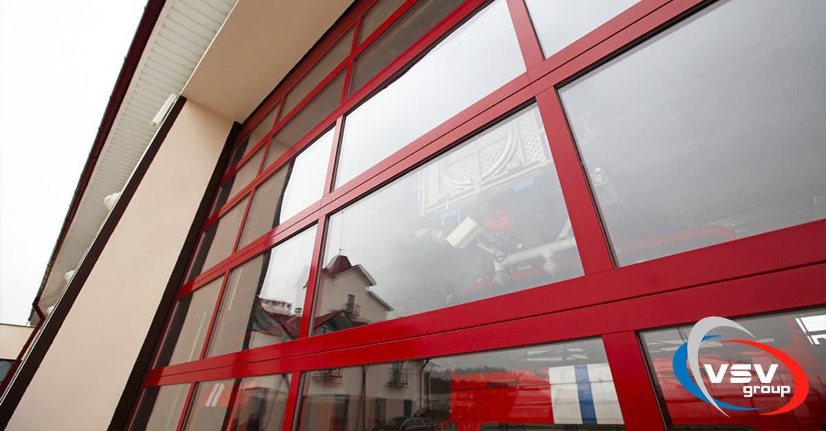 Панорамные ворота AluTherm: расширение цветовой гаммы - фото - статья на блоге компании ВСВ-Групп