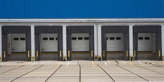 Какие бывают промышленные секционные ворота - фото - акции от компании ВСВ-Групп