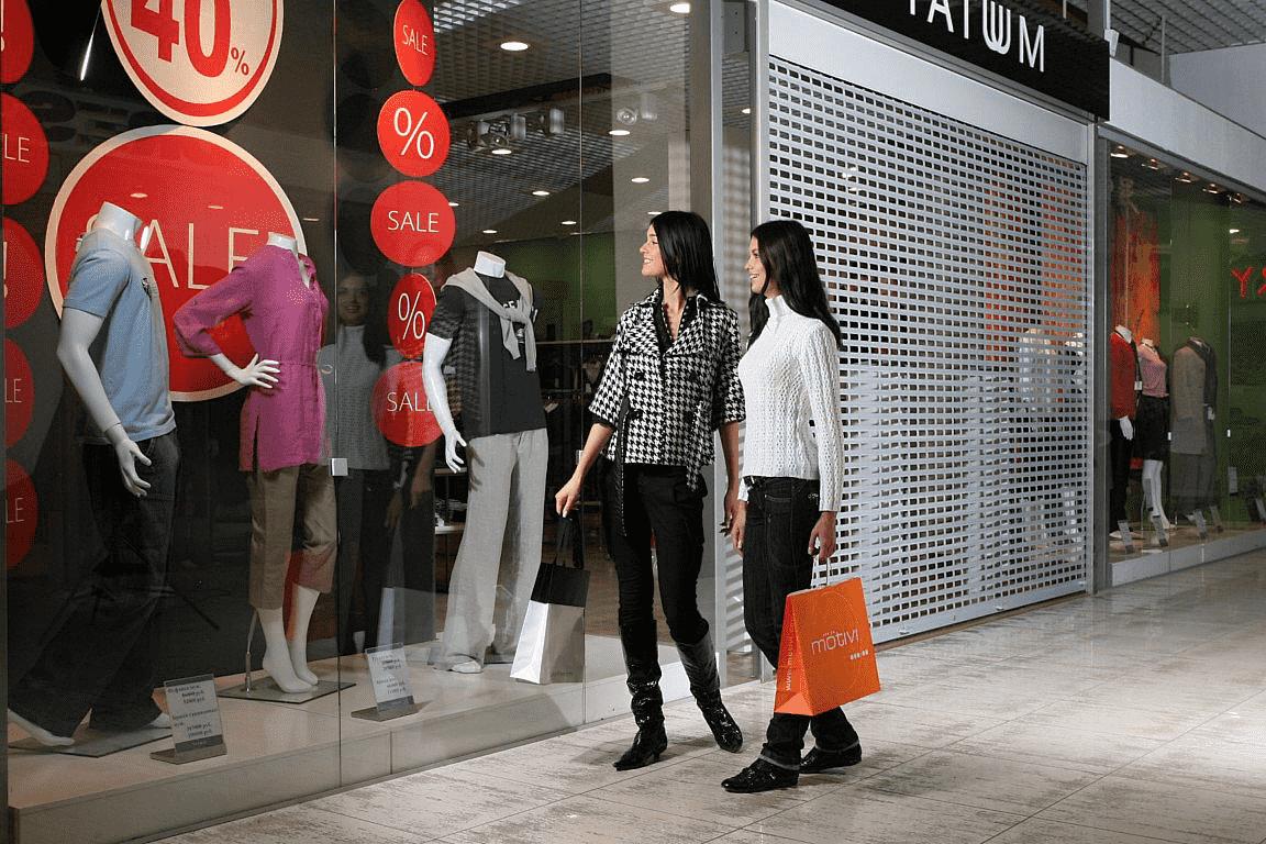 Три способа защитить окна и витрины магазина: выбираем лучший - фото - акции от компании ВСВ-Групп