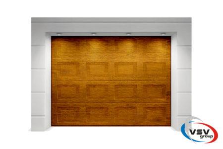 Секционные ворота Classic 3500х2375 с сэндвич-панелью филёнка в цвете золотой дуб - фото - продукция компании ВСВ-Групп